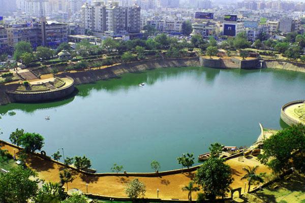 Vastrapur Lake Ahmedabad