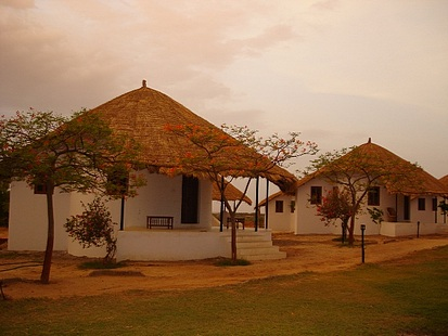 GARHA SAFARI LODGE