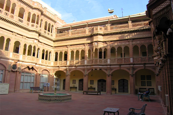 Bhanwar Niwas