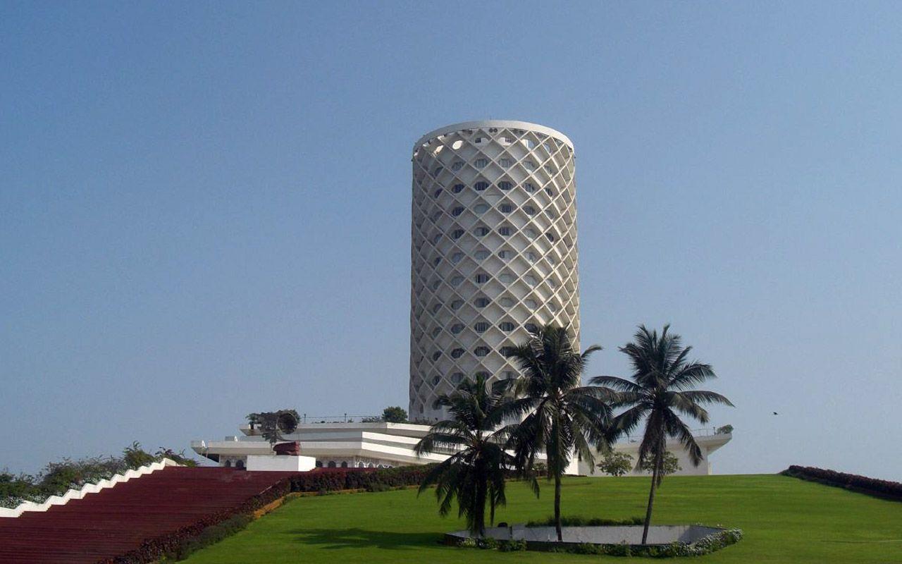 Nehru Planetarium and the Nehru Science centre