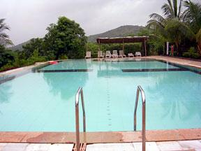 QUALITY RESORT THE RIVERVIEW-CHIPLUN