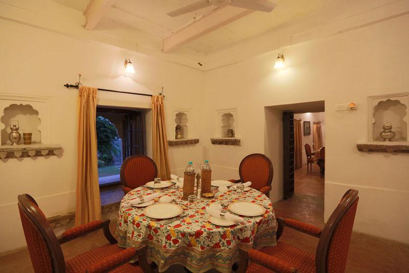 BHAINSRORGARH FORT HOTEL