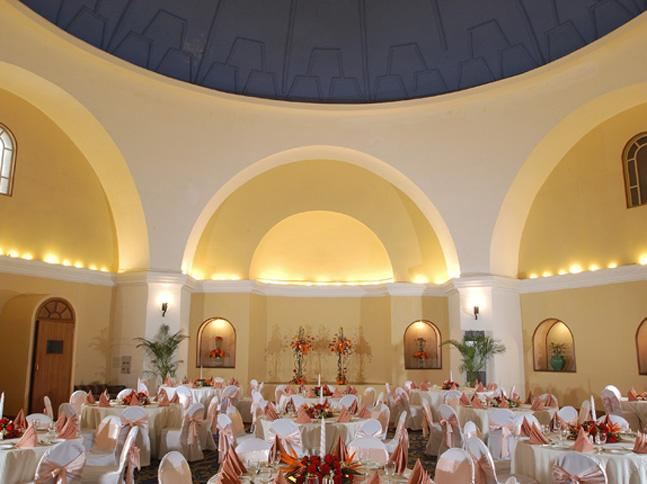 VIVANTA by Taj The Ambassador