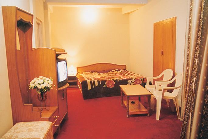 MONAL HOTEL