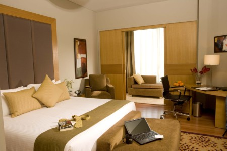 RADISSON BLU SUITES