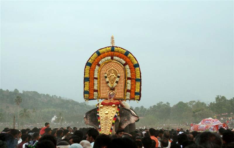 guruvayoor padmanabhan vallengy