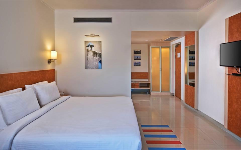 NIRWANA HOMETEL HOTEL