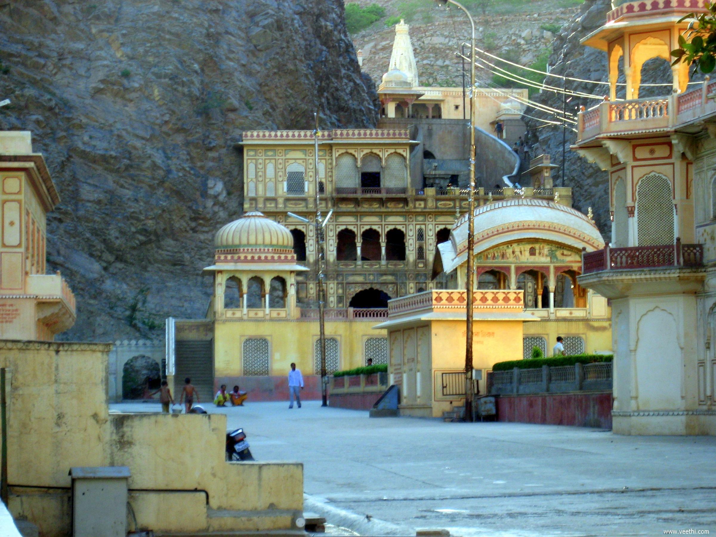 Galta Temple2