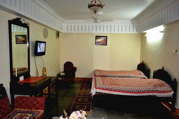 HOTEL MAHADEV PALACE