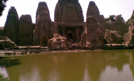 monolithic rock cut cave temples masroor1
