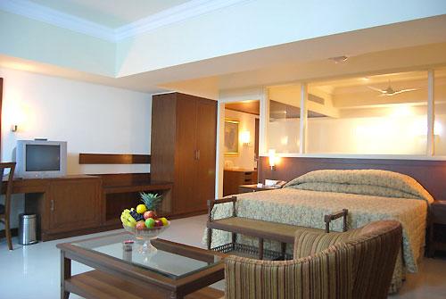 BREEZE HOTEL