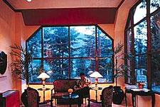 Hotel SNOWCREST MANOR