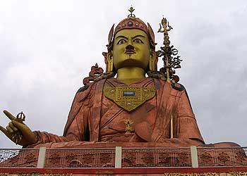guru rimpoche statue namchi