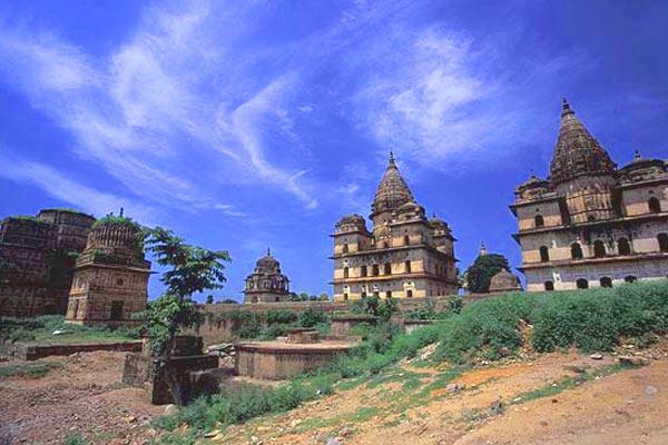 Chhatris Orchha