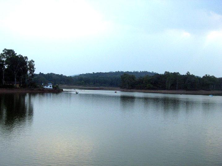 Pachmarhi Lake