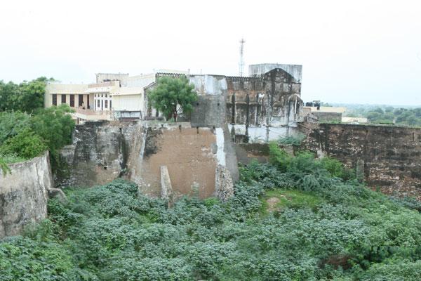 Sawarda Fort