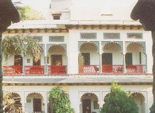 RANGNIWAS PALACE