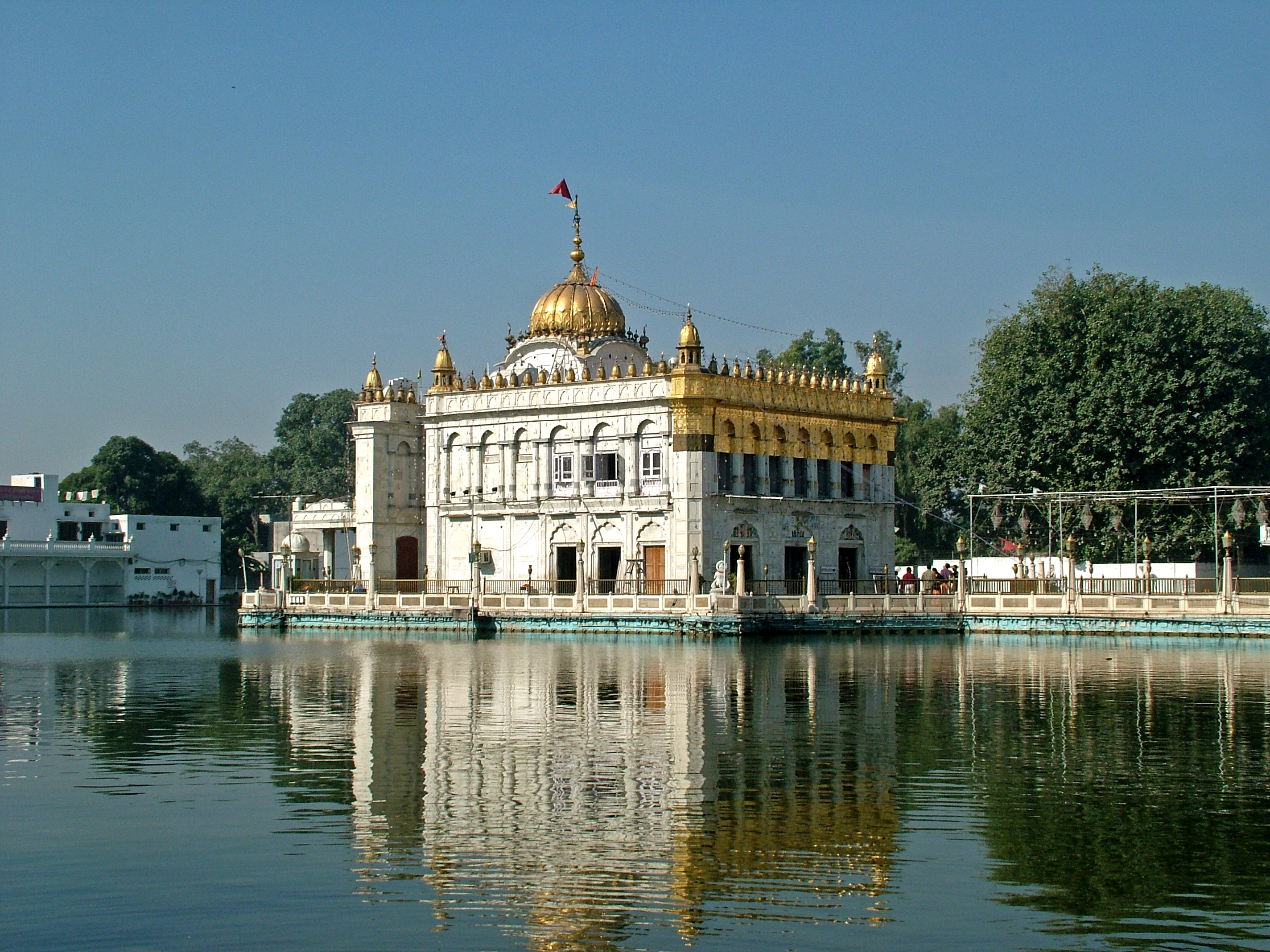 the history of punjap state of sikh religion Sikhs in the northern indian state of punjab have staged protests, enforced strikes and blocked roads in several towns and cities in the past week bbc hindi's ravinder singh robin explains why .