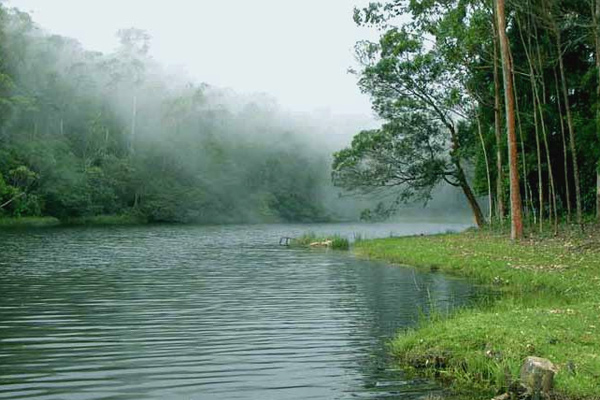image of Devikulam Lake Munnar